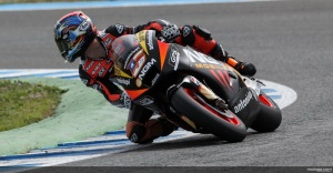 Colin Edwards looking through the turn